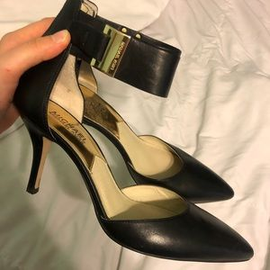 MICHAEL KORS Leather Pointed Toe Heels⚡️
